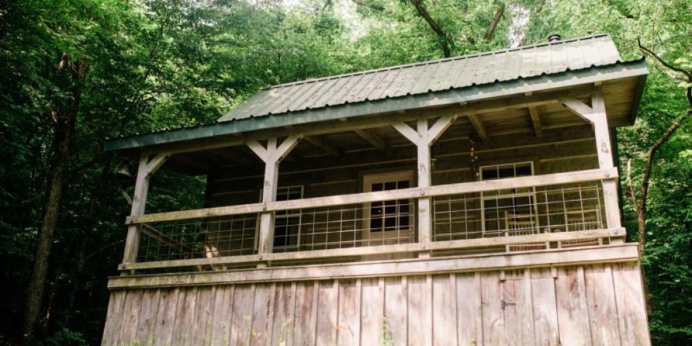 Bonnie Blue Farm Log Cabin – Cari Griffith
