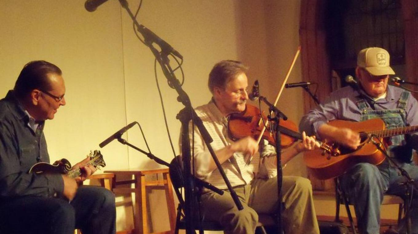 Bob Townsend, Charlie Higgins, Don Cassell performance at Laurel Theater – Jubilee Community Arts