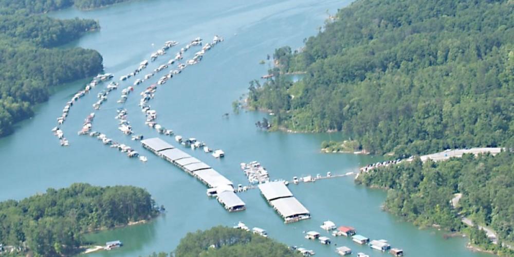 As you can see, Straight Creek Boat Dock is set off the main channel of Norris Lake in a quiet and protected area.