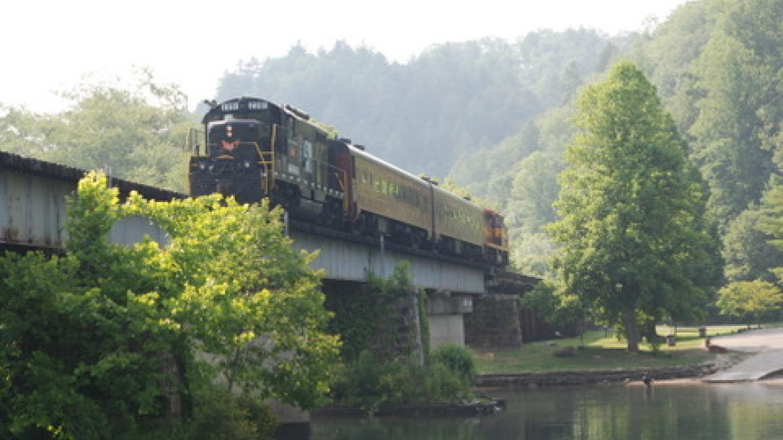 Train crossing Reliance Bridge – Jim Caldwell