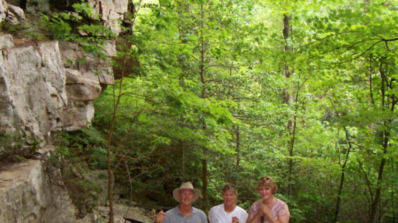 Hikers along the Alum Gap Trail – Kimberly King