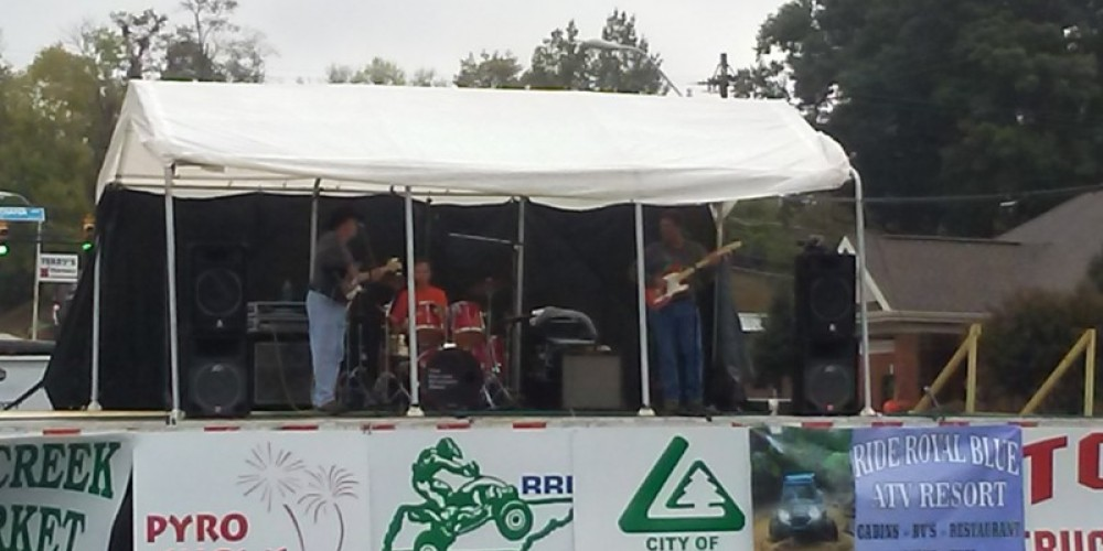 Musical entertainment at our Big Creek Fall ATV Festival
