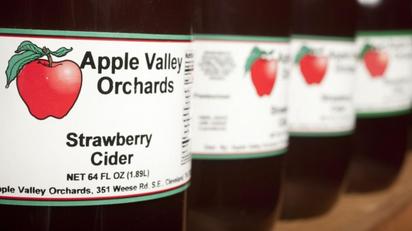 The orchard market has a great selection of tasty products – Tennessee State Photography