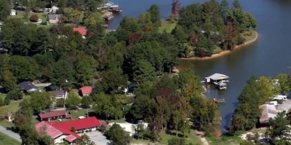 Aerial view of Bay Springs Country Inn