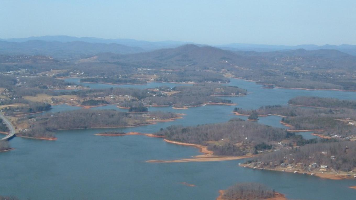 Photo from parking area of TVA Lake Chatuge in Hiawassee, GA. – Don Woodruff