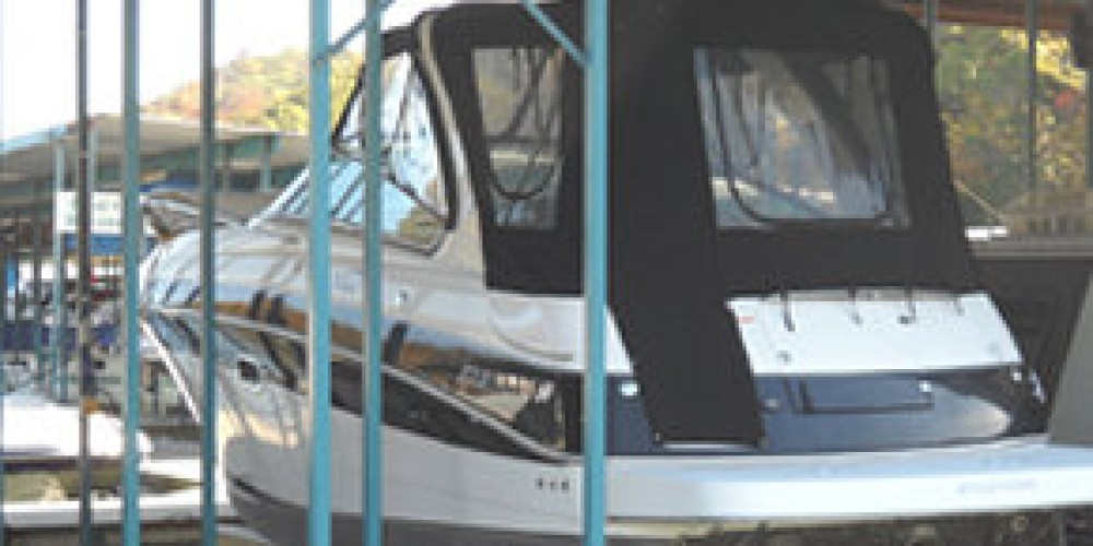 Large boat slip with lift