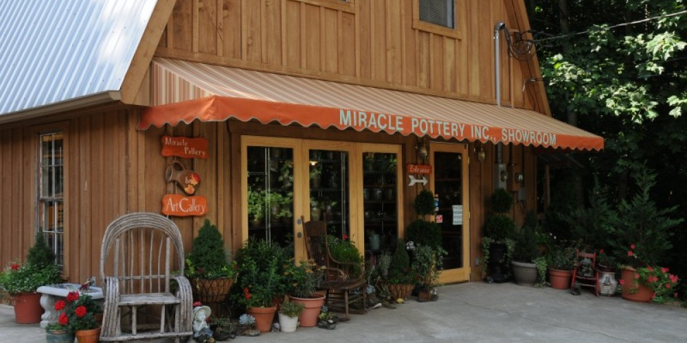 Miracle Pottery is located in the foothills of the Appalachian Mountains near Mentone in Valley Head, Alabama. – John Dersham