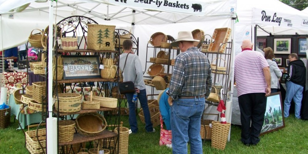Craft booth at Townsend Spring Festival – Townsend Visitors Center
