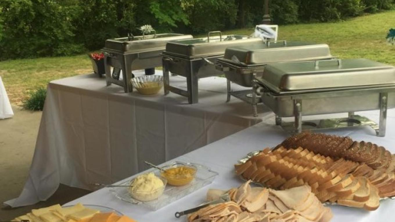 Let Mountain Parkway Grill cater your next event !