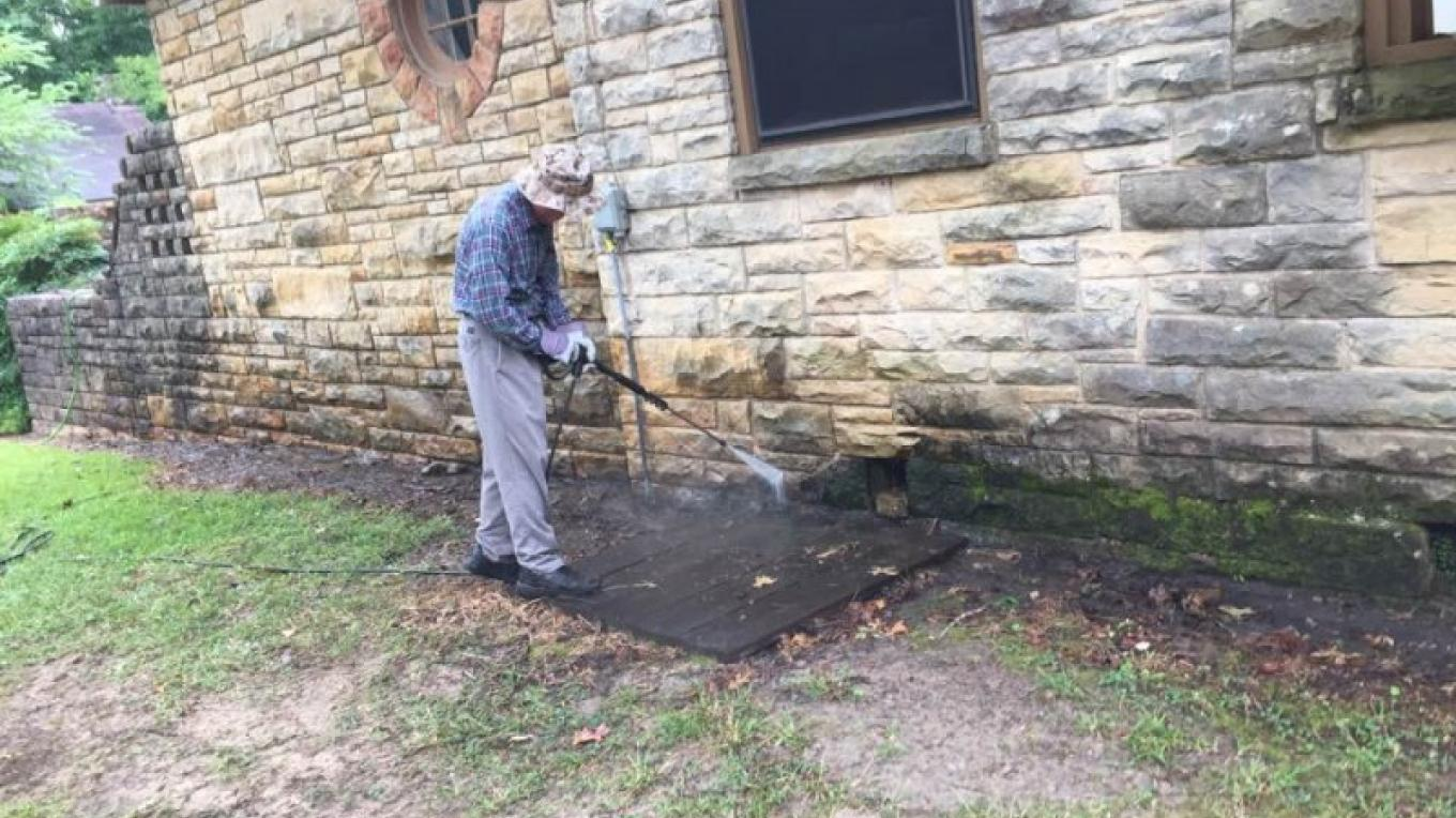 Pressure Washing – Toney Mobley