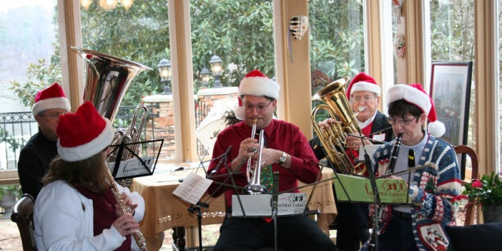 Live music during the Historic Harriman Christmas Tour, 2010 – Pam May, Roane County Visitors Bureau