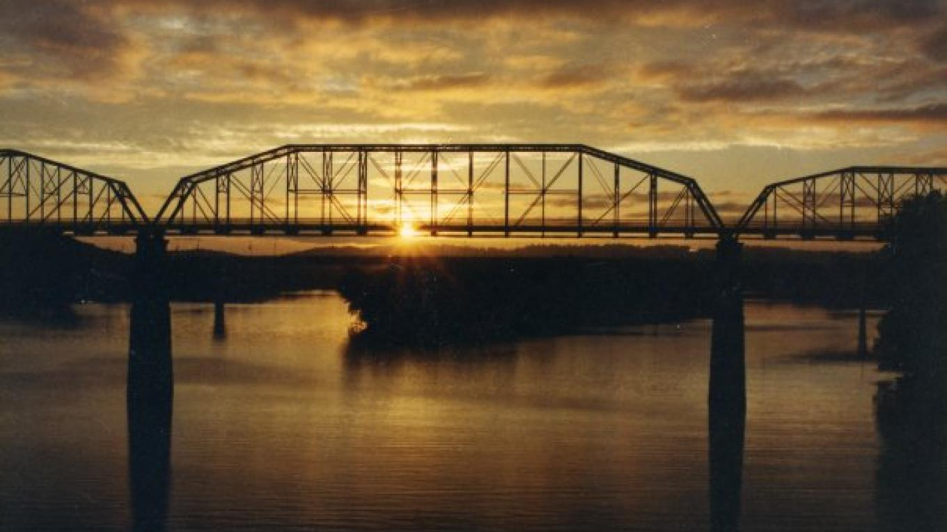 A beautiful sunset behind the Walnut Street Bridge in Chattanooga, Tenn. – Courtesy The Parks Foundation
