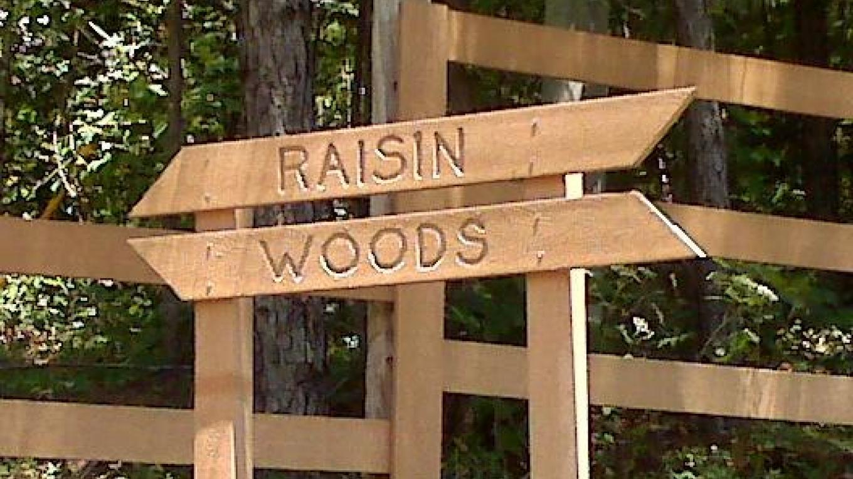 Raisin Woods Sign Post
