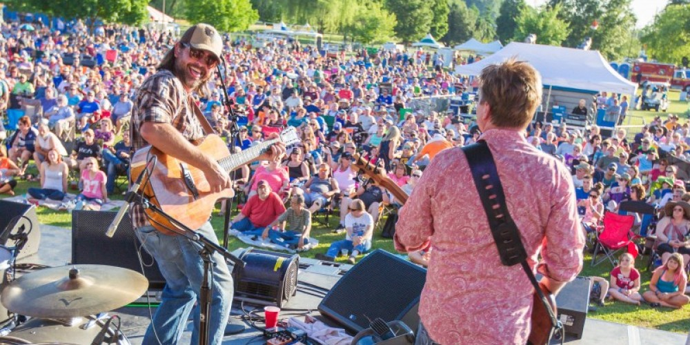Outdoor concerts are held Friday and Saturday nights during the Festival – Rob Welton
