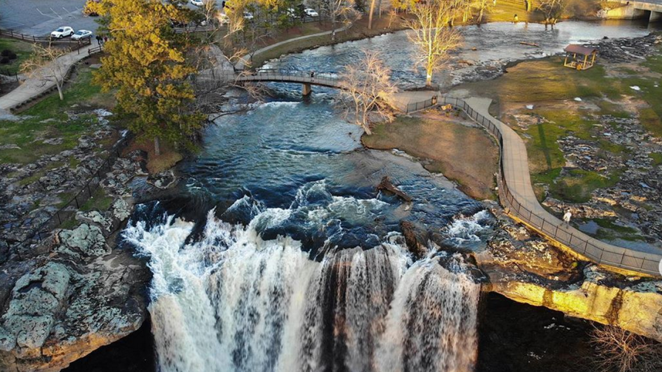 High Above Noccalula Falls Park – Amanda Bridges-Dunn- @adventuringlight