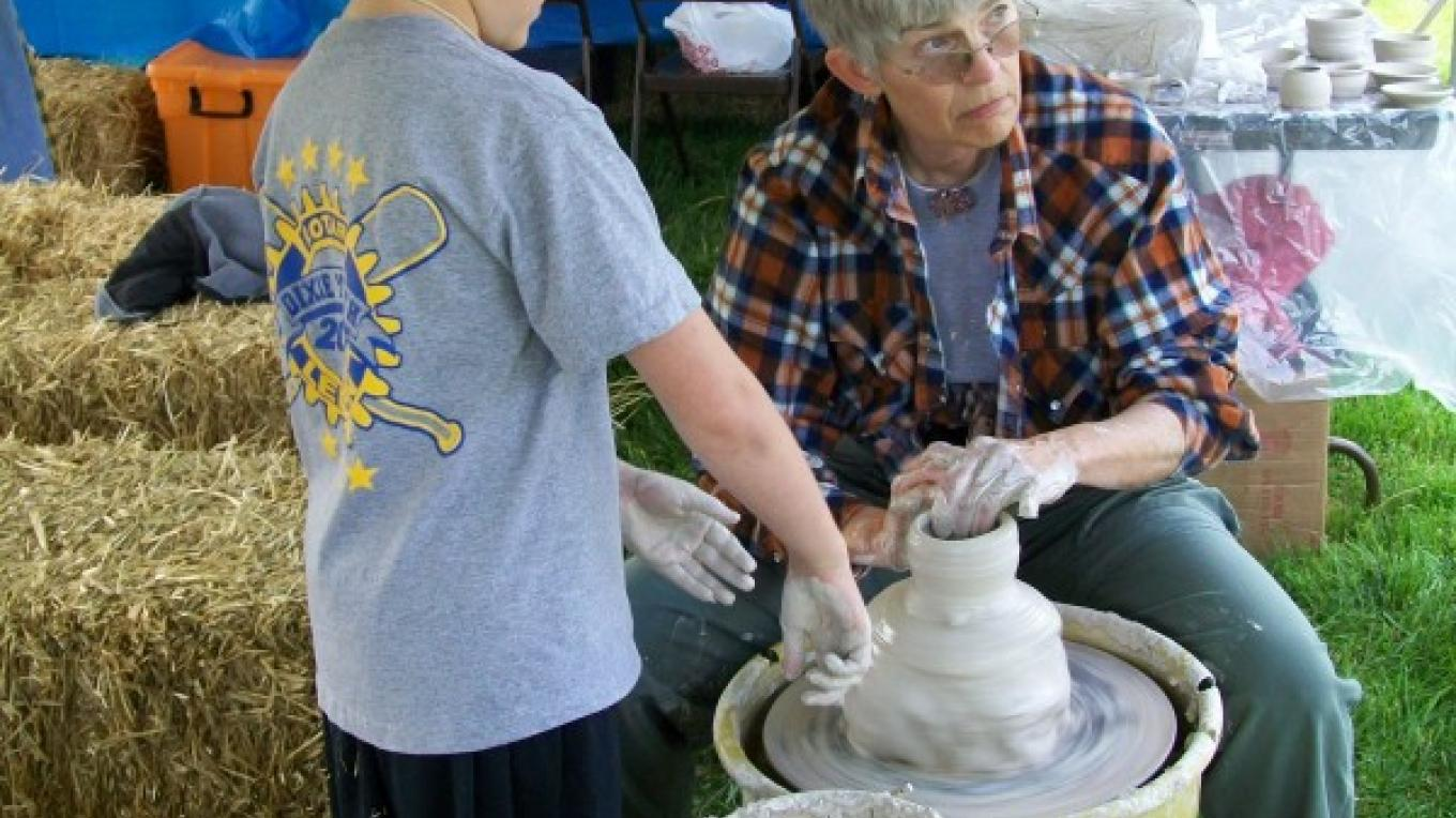 Pottery demonstration at Townsend Spring Festival – Townsend Visitors Center