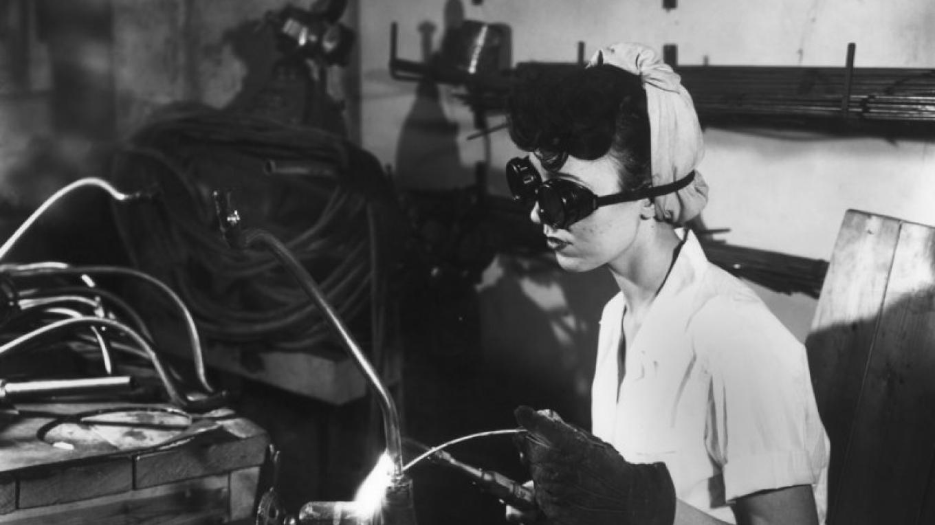 Women worked a lot in the factories since most of the men were fighting overseas. – DOE Photo by Ed Westcott
