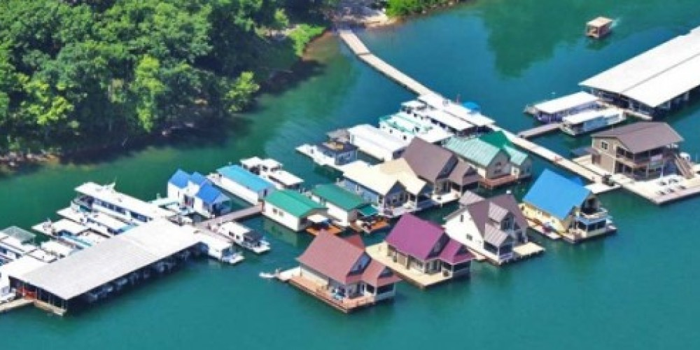 Mountain Lake Marina