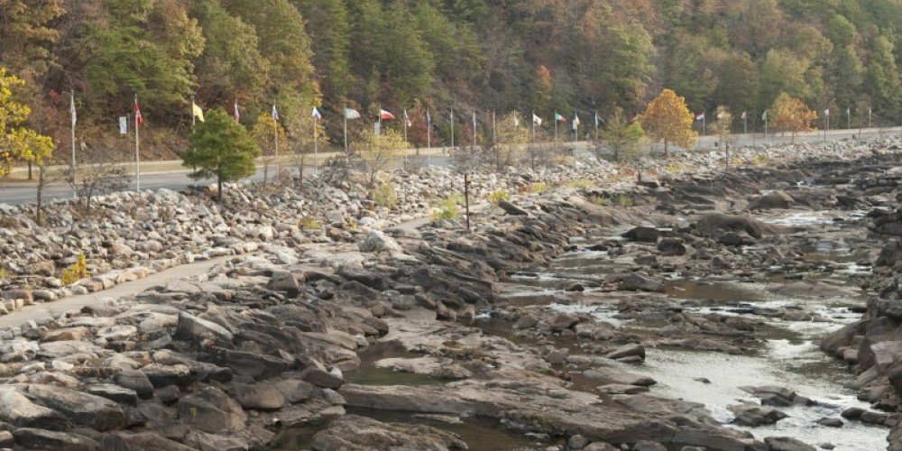 Ocoee River Upper Section with water level down – TN State Photo Services