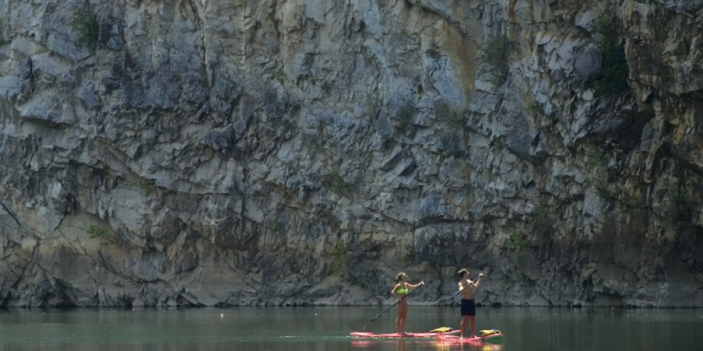 Paddle Boarding on Mead's Quarry Lake. – Knoxville News Sentinel