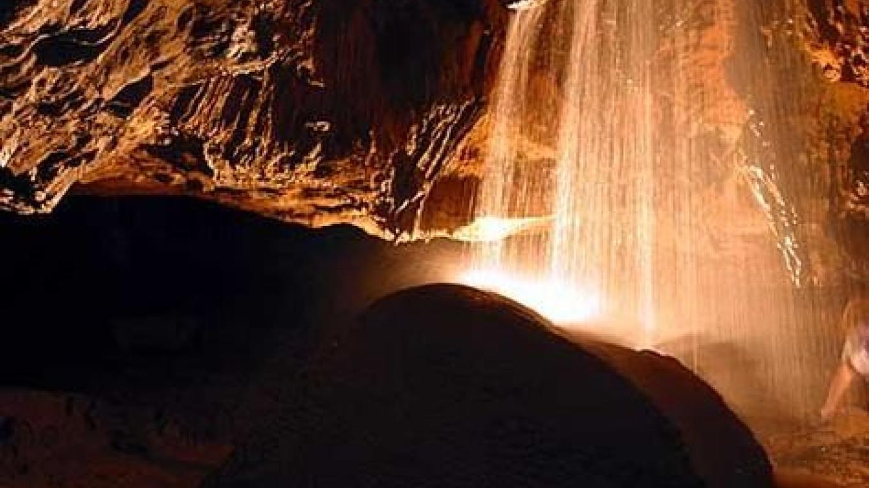 Tuckaleechee Caverns waterfall – Tuckaleechee Caverns