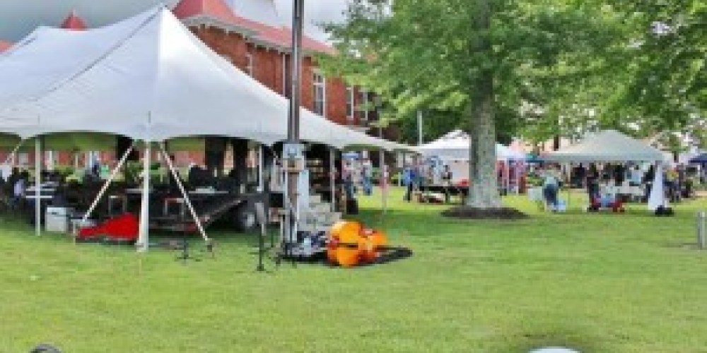 2016 Tennessee Mountain Laurel Festival - Music tent – Mountain Laurel Festival