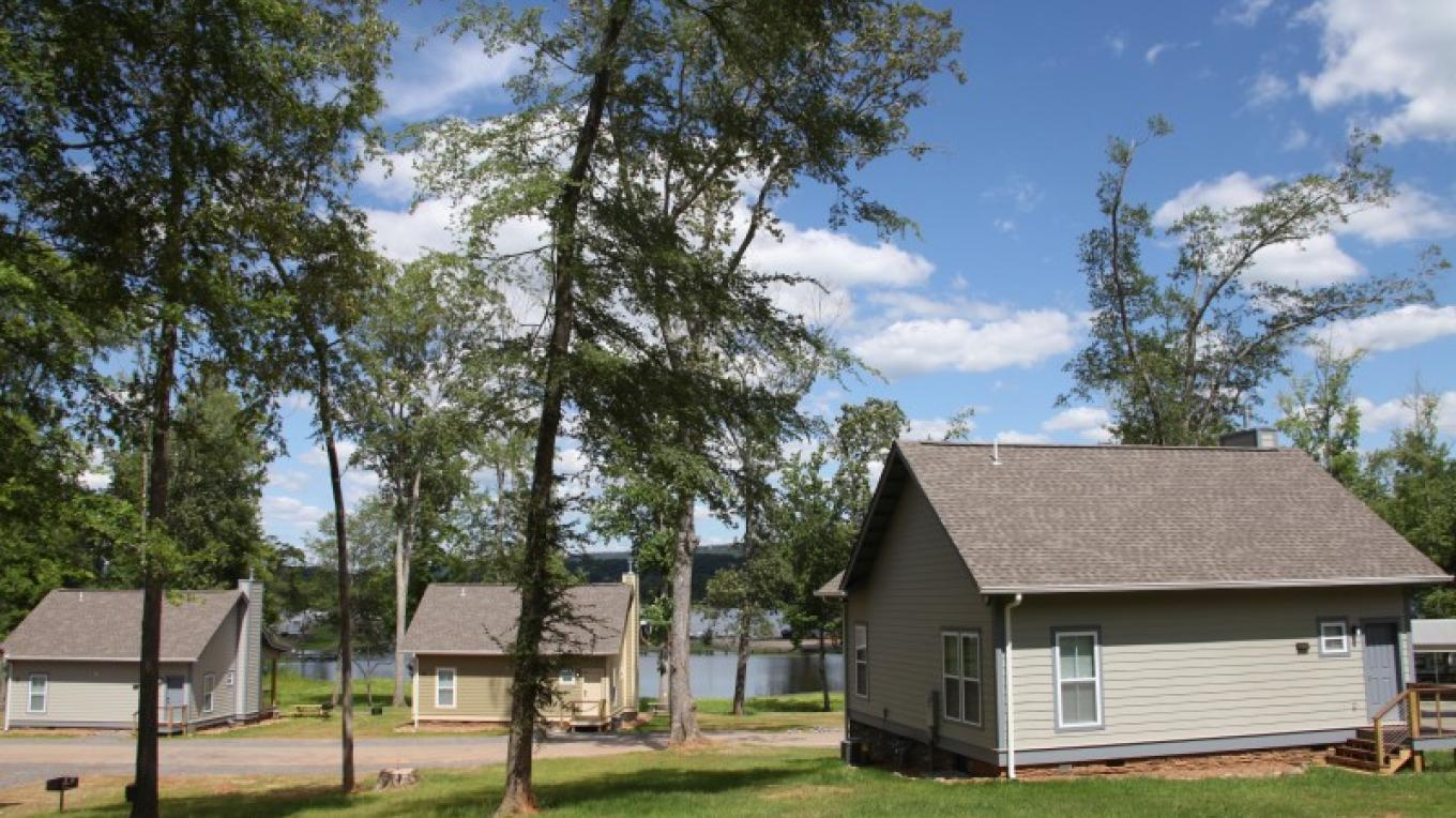Some cabins have view of Lake Guntersville – Jackson County Parks