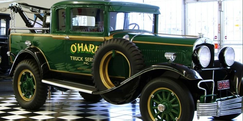 1929 Chrysler w/Manley Crane