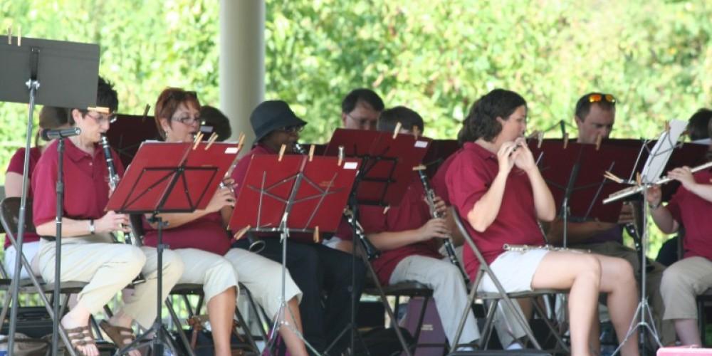 Babahatchie Band playing at Riverfront Park – Pam May
