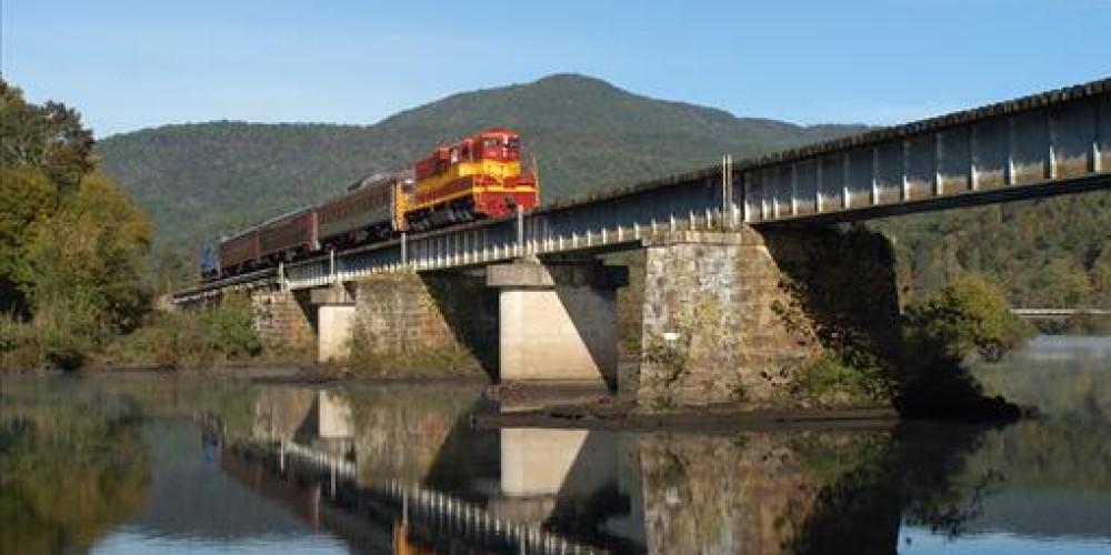 Scenic Train Ride. Hiwassee River Rail Adventure – Jim Caldwell