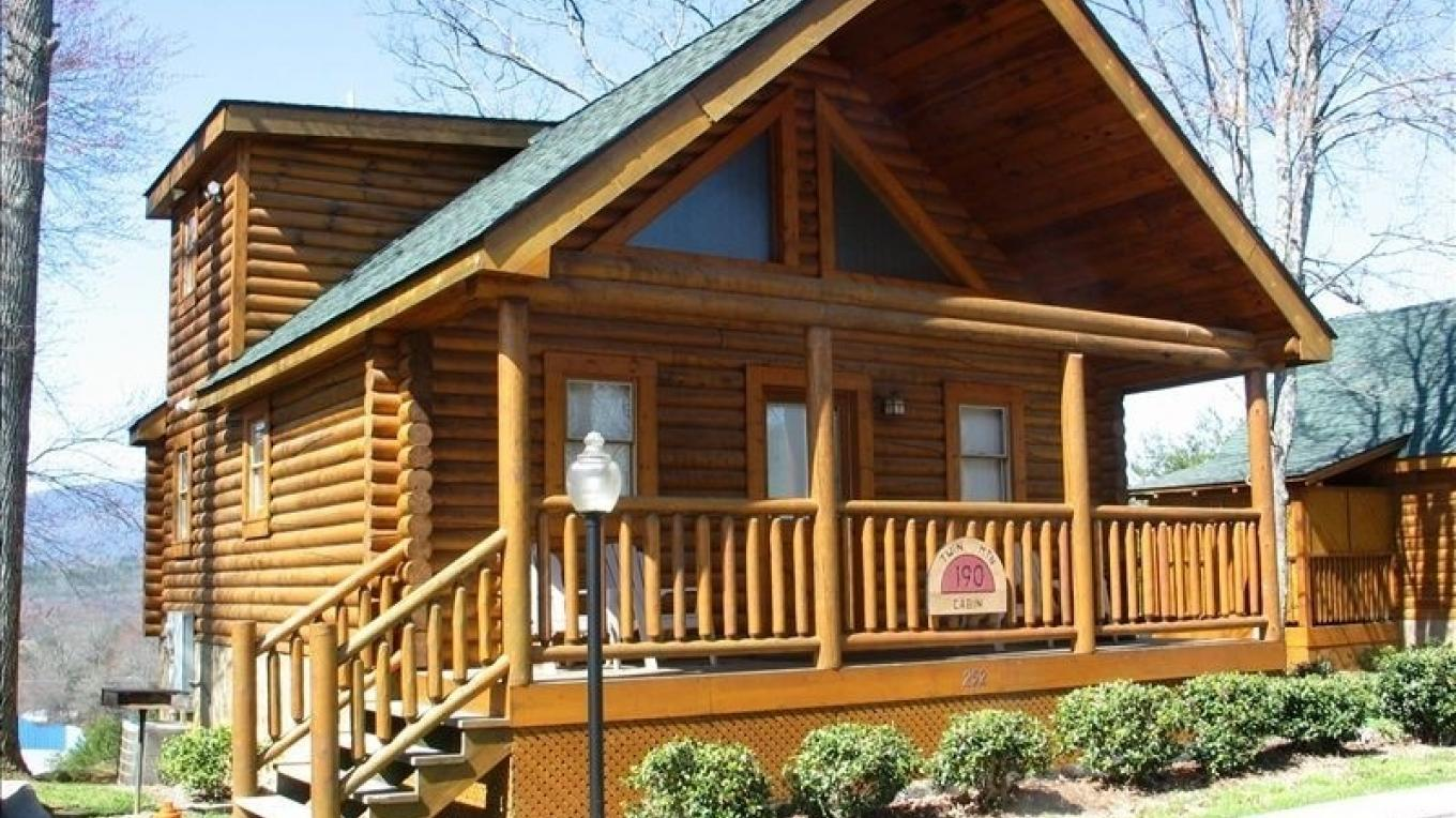 Pigeon Forge Log Cabin – Owner