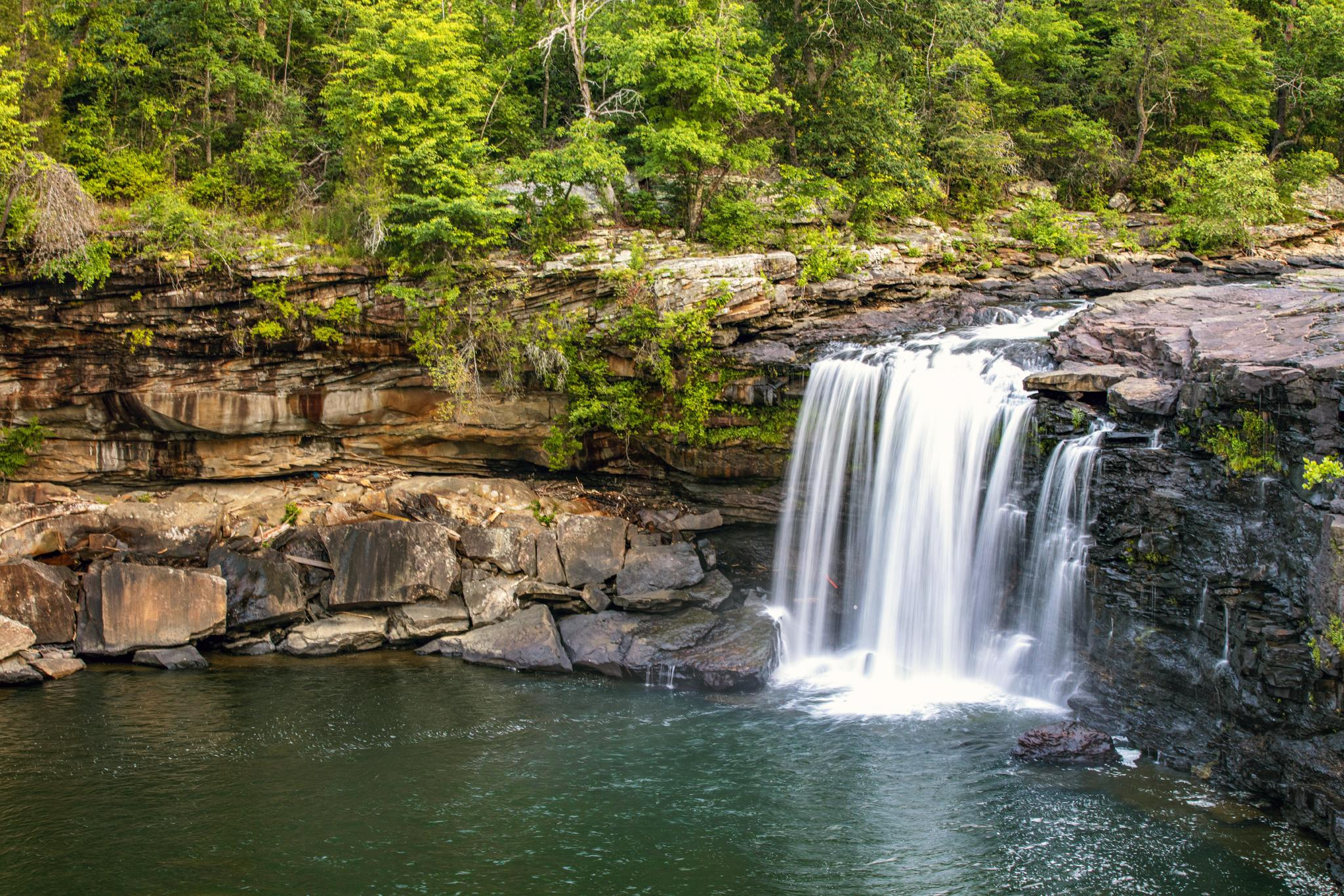 Little River Falls is the highlight of the Little River Canyon Rim Parkway. – Scott Baker