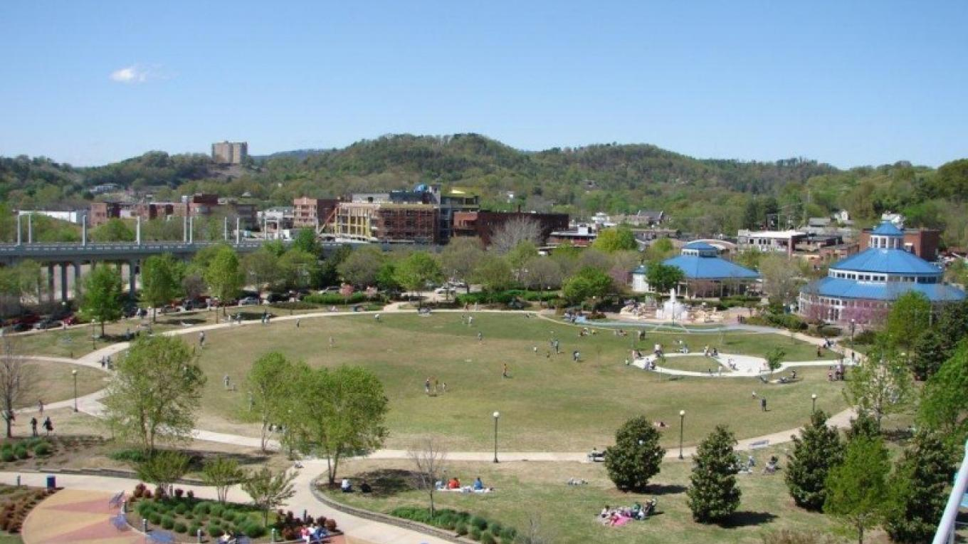 Overlook of Coolidge Park from the Walnut Street Bridge – Brian Smith