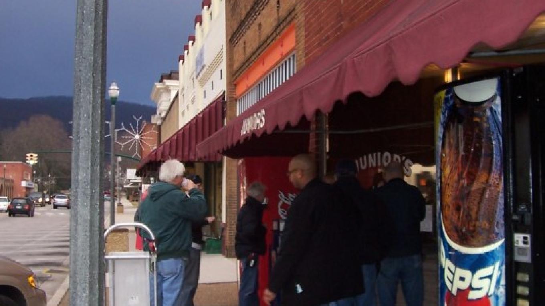 Juniors Restaurant in downtown Rockwood – Pam May