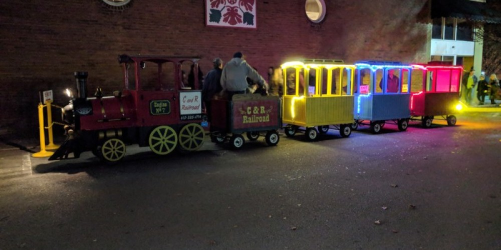Free train rides by C&R Railroad sponsored by Zander's Pizza – Esther Wood