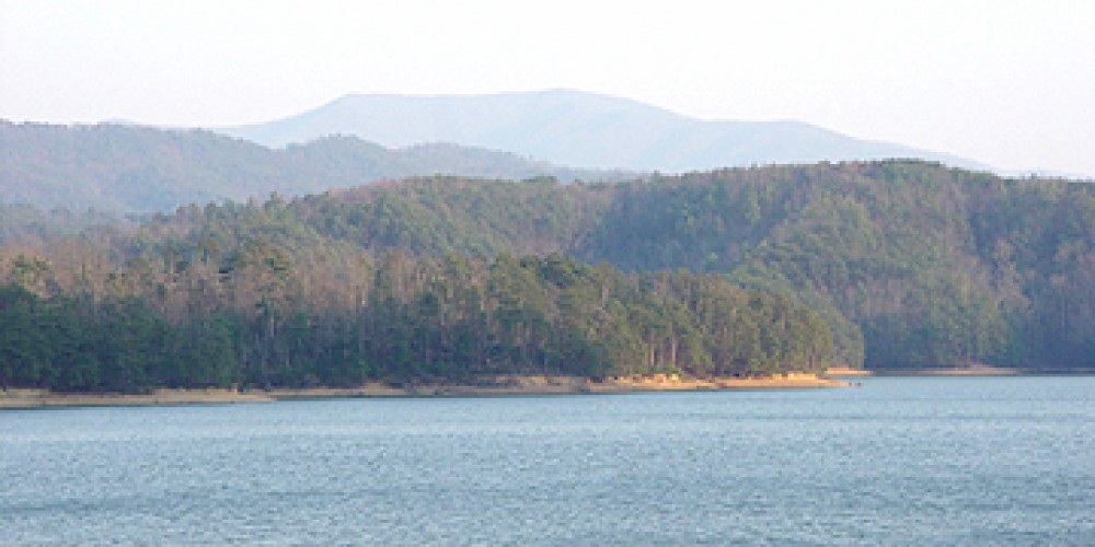 Scenic beauty surrounds Parksville Lake, also known as Lake Ocoee. The lake is actually a TVA dam. – Ingrid Buehler