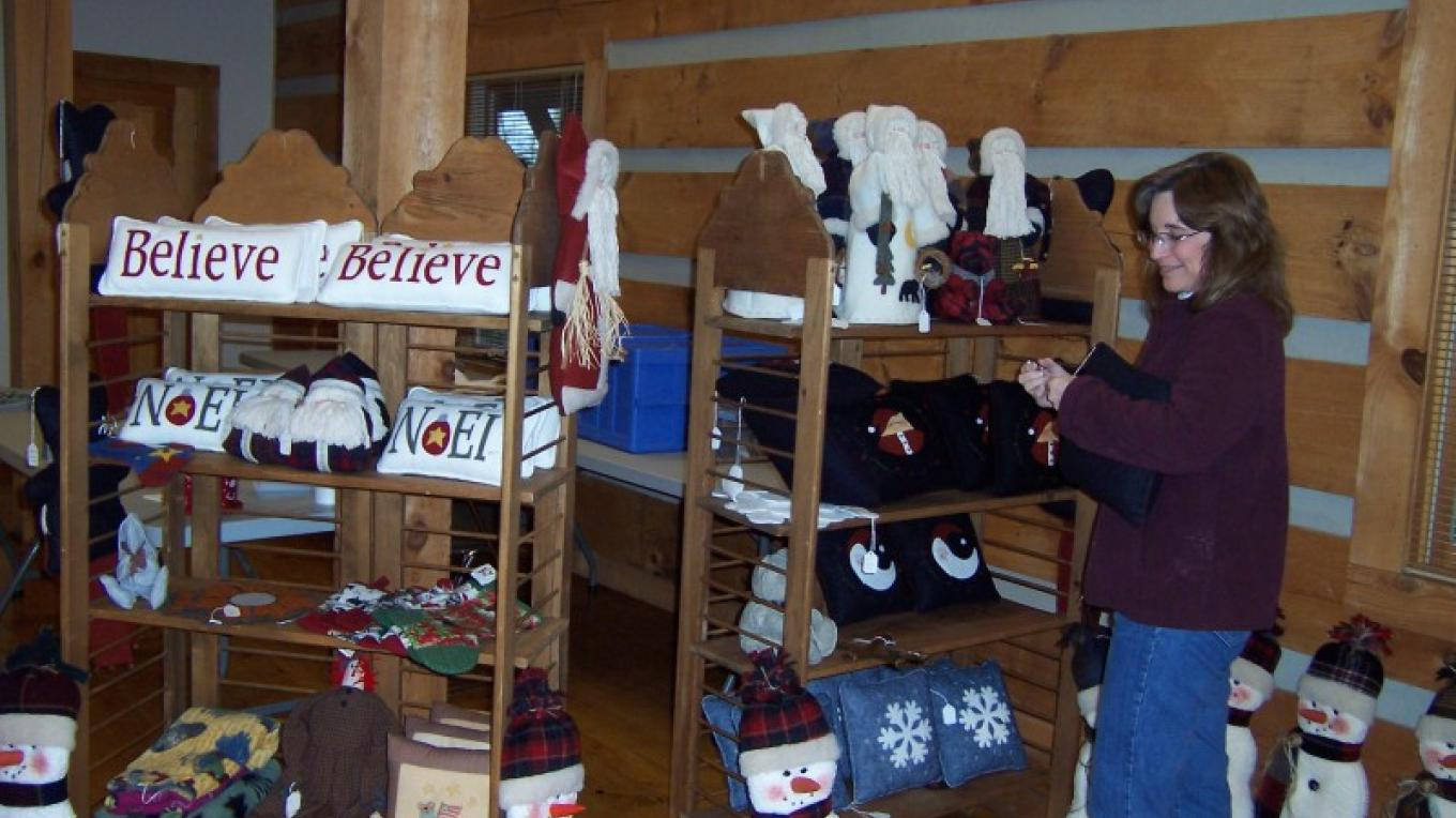 Artisan displays and demos at Townsend Visitors Center – Townsend Visitors Center