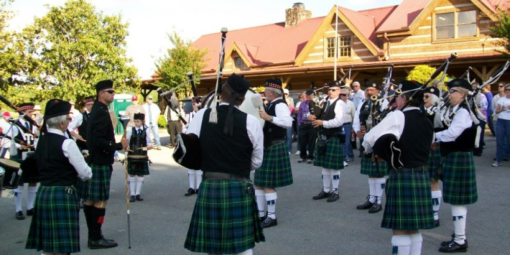 Knoxville Pipes and Drums at Townsend Spring Festival – Townsend Visitors Center
